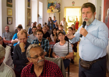 ROMEA uspořádala diskuzi Současný výzkum romského holokaustu v československém kontextu