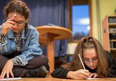 Nová online kampaň DÍKY VÁM pomůže studentům překonat bariéry ve studiu