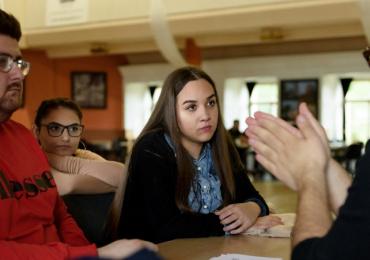 ROMEA v červnu spustí novou výzvu pro romské studenty SŠ a VOŠ! Stipendiem podpoří celkem 60 uchazečů
